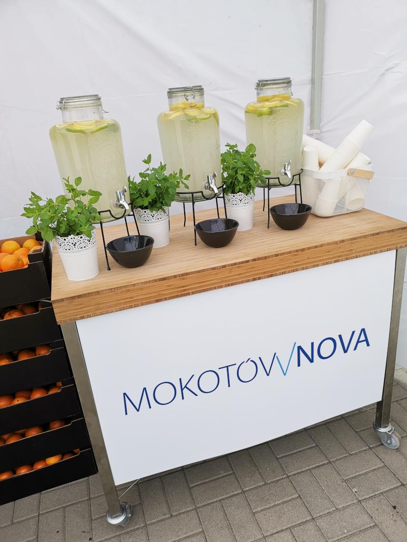 Świeżo wyciskany sok z pomarańczy Mokotów Nova