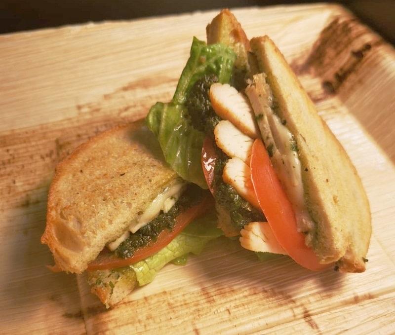 Panini z kurczakiem - stoiska gastronomiczne