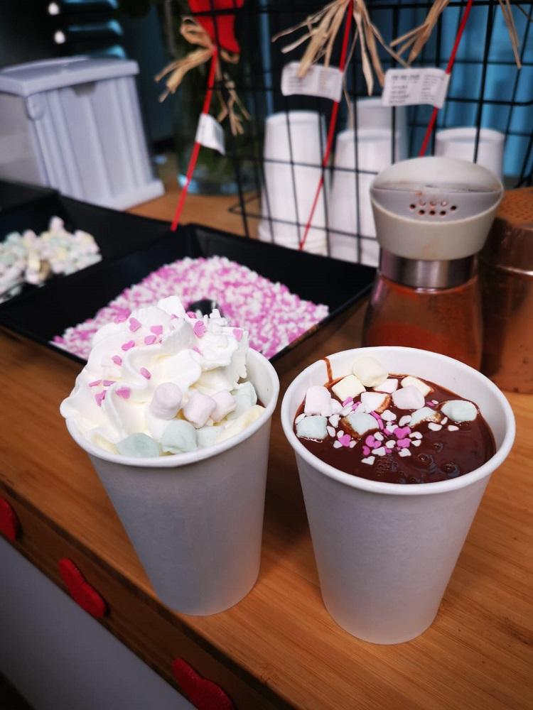 Gorąca czekolada do picia - walentynki w CEDC